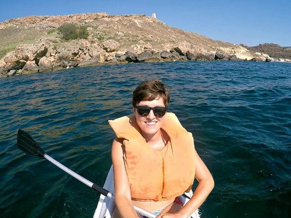 kayaking in gnejna bay malta