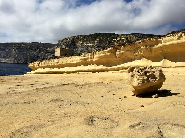 nature around xlendi tower in gozo