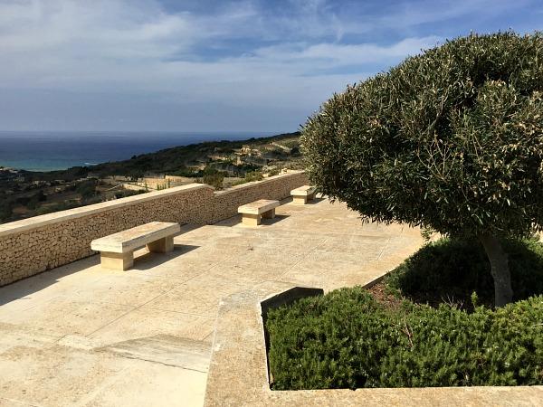 rambla bay bench view