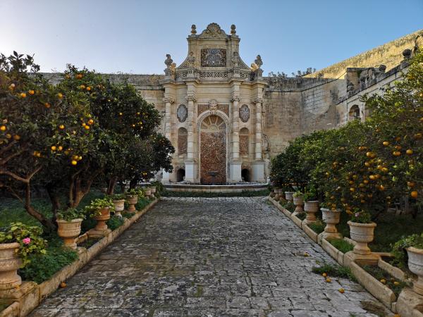 villa bologna gardens