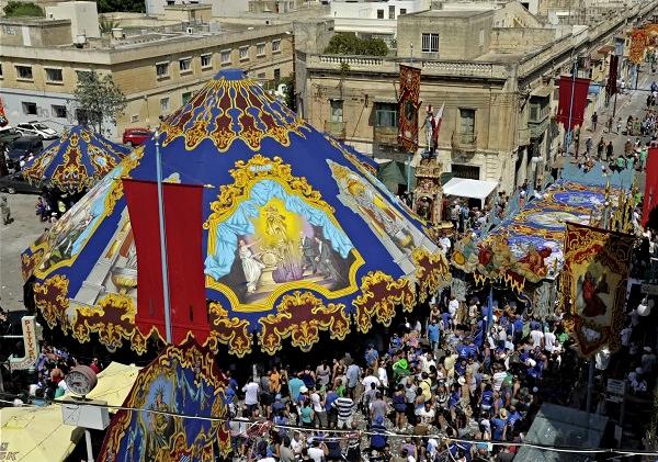 biggest umbrella in malta