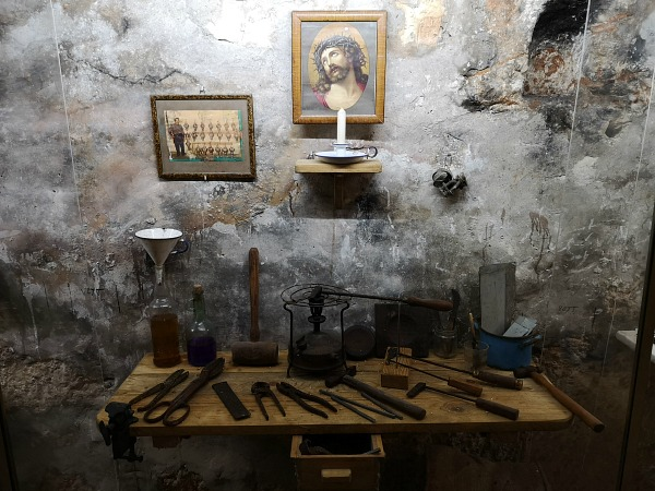 mosta world war shelters