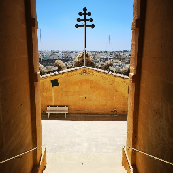 mosta dome roof