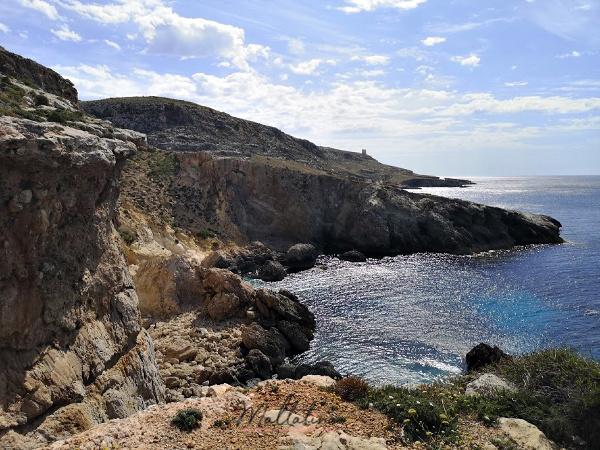 ghar lapsi dangerous cliffs