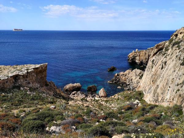 ghar lapsi path trek amazing views malta