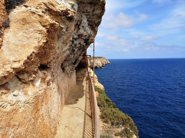 path to ghar hasan cave