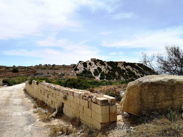 il-mara malta path entry and exit
