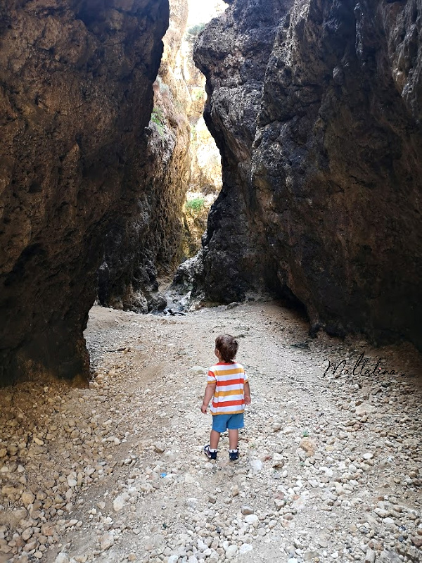 migra ferha canyon with a toddler