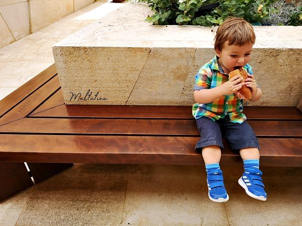valletta ditch garden bench