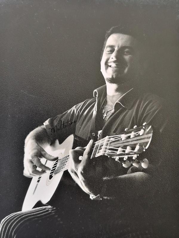 Joe Scicluna playing guitar