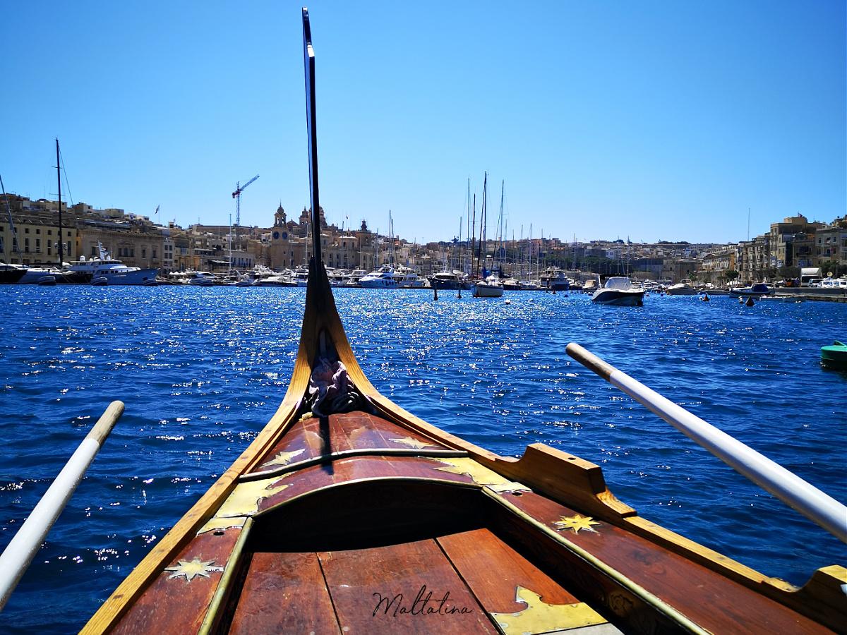 dghajsa malta grand harbour